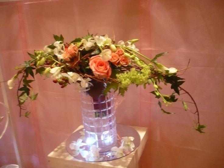 wedding bouquet made by Kent Florist Mikiko Inoue
