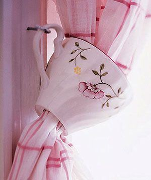 how clever, tea cup decor!