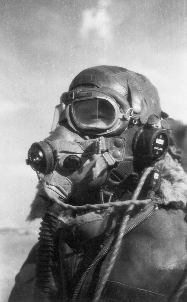 Royal South African Air Force Pilot, 30,000 feet above Europe, 1942 from the www.homefronthistory.co.uk archives C.