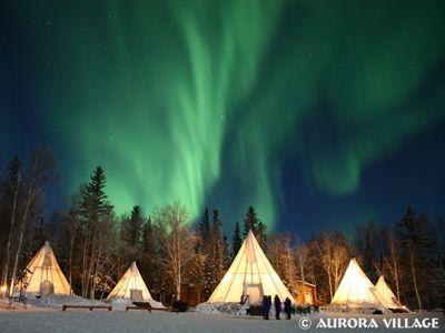 ティーピーと呼ばれるテントをベースにオーロラ観賞ができるオーロラビレッジundefined写真提供:オーロラビレッジ
