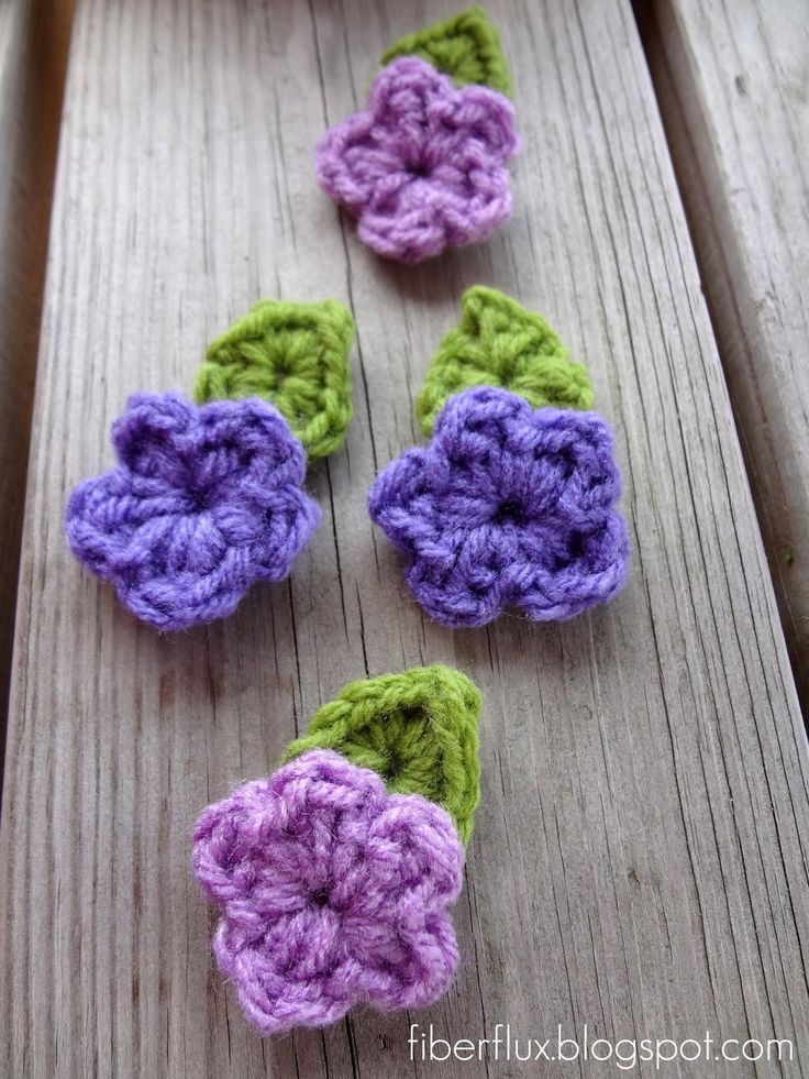 Crochet Flower Pattern Small : Free Crochet Pattern crochet flowers & leaves ...