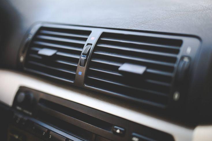 Профессиональная чистка пластика салона автомобиля в Гомеле на Автомойке 24 Часа. Низкие цены, лучшая автохимия, высокое качество работы!