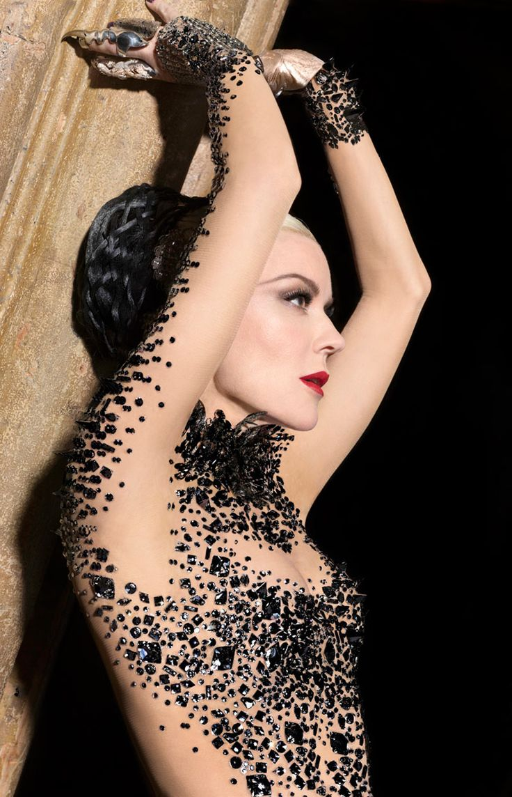 Daphne Guinness by Markus + Indrani for Muse Magazine   // Originally from http://fashiongonerogue.com/daphne-guinness-markus-indrani-muse-magazine/