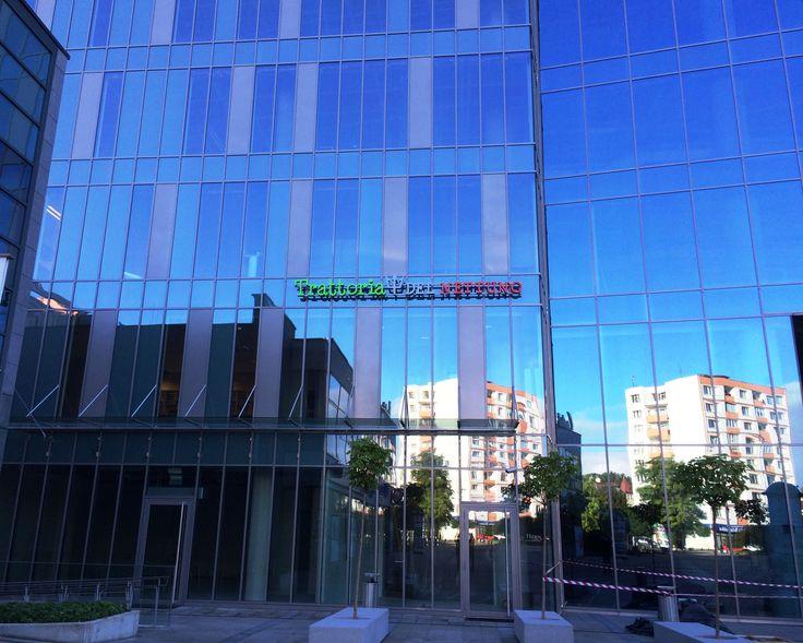 www.dobryhotel.com; www.bazarsmakow.pl; www.sedan.pl; www.hotelunicus.pl; www.hotelgrandcru.pl; www.hotelbonum.pl; www.hotelarkonpar...; www.villaaqua.pl; www.rozanygaj.pl; www.qhotelwroclaw.pl