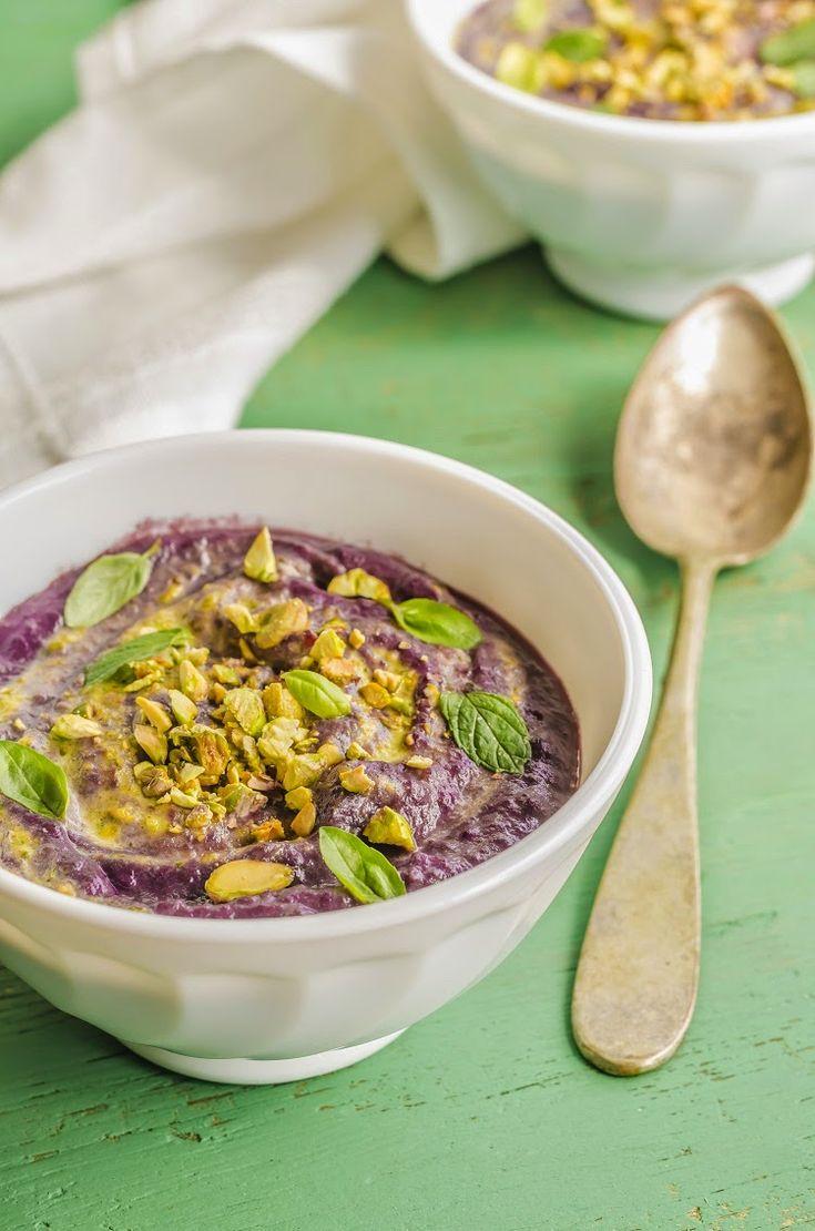 Vellutata di carote viola con ricotta e pistacchi Violet carrots soup