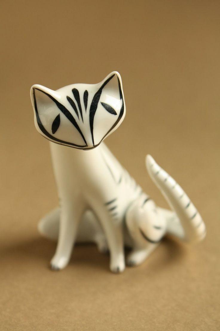 Art deco porcelain: Cat - Hollóháza