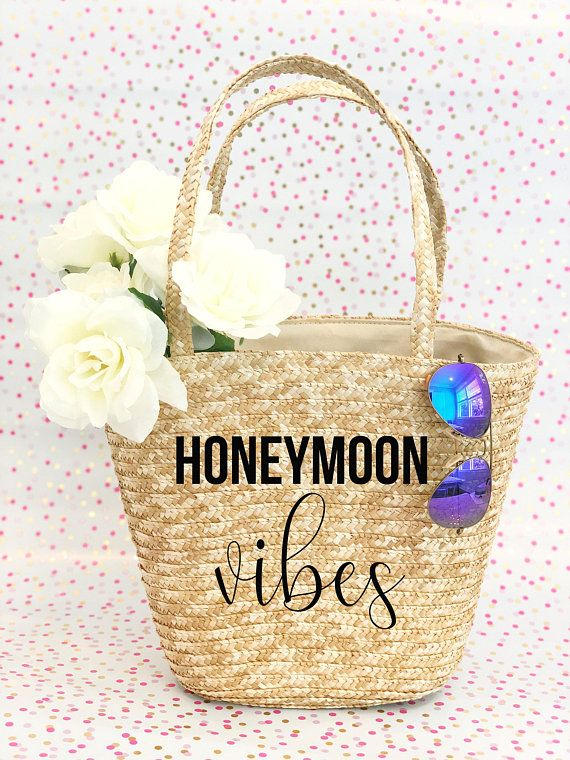 ec8c76515 Personalized Honeymoon Straw Bag - Mrs Straw Tote Bag - Custom Beach Tote  Bag - Hand Painted Bride Tote