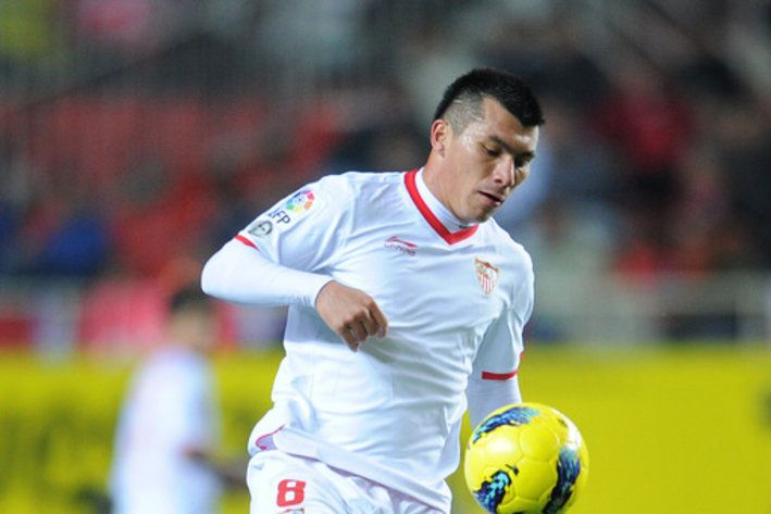 CHILE!!!! Gary Medel heads to Cardiff City