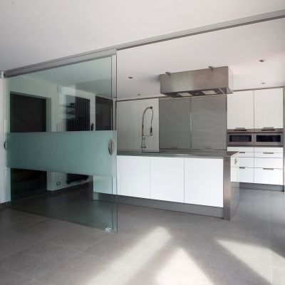Glass sliding doors with fully personalized sandblasted pattern