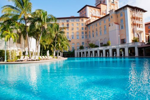 Swimming pool at the biltmore hotel coral gables for Pool show coral gables