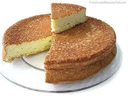 c'est un gateau de savoie :125 g de sucre 4 œufs 1 sachet de sucre vanillé 60 g de farine 30 g de fécule de pommes de terre 1 pincée de sel 1 noix de beurre