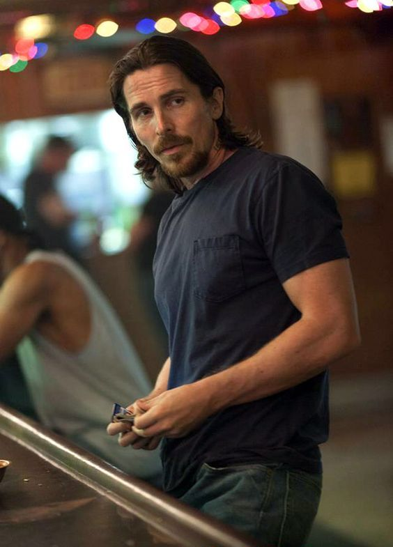 Christian Bale in Out Of The Furnace | Re: Out of the Furnace, con Christian Bale (2013)