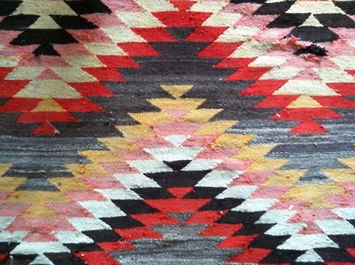 Colors Combos, Aztec Rugs, Colors Pattern, Textiles Design, Aztec Prints, Kilim Rugs, Rugs Pattern, Tribal Prints, Ethnic Pattern