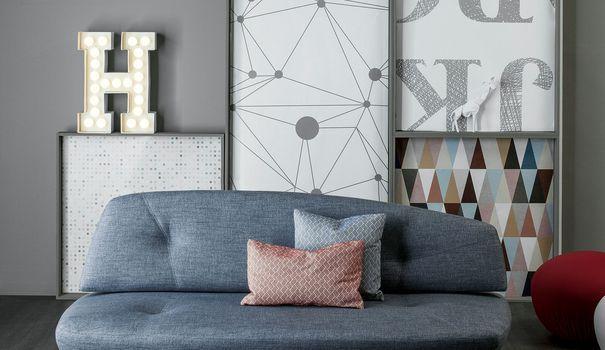 Trouver un joli petit canapé qui rentre parfaitement dans votre studio ou votre petit appartement peut s'avérer être un vrai casse-tête. Coté Maison vous facilite la tâche en sélectionnant 13 canapés deux places qui trouveront leur place à coup sûr dans votre petit salon.