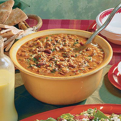 Spicy 3-Bean Chili   Lean meats make this chili great for filling you up without blowing your diet. Try serving this satisfying dish with warm flour tortillas.
