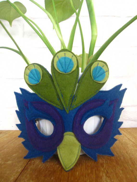 Fieltro mascarilla de pavo real por littlebitdesignshop en Etsy
