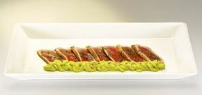 El restaurante Mas Nomo, dentro del hotel Mas de Torrent Hotel & Spa, comparte con Gastronosfera uno de sus platos estrella: Maguro tataki.