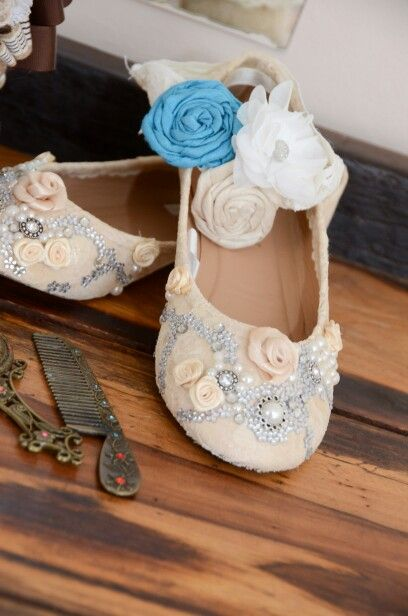 Diy wedding lace shoes