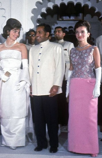 Jackie Kennedy and Lee Radziwill in India