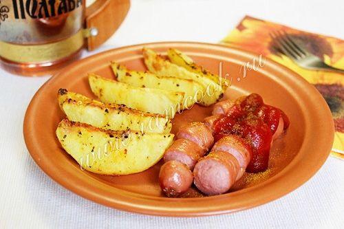 Картофель по селянски с сосисками