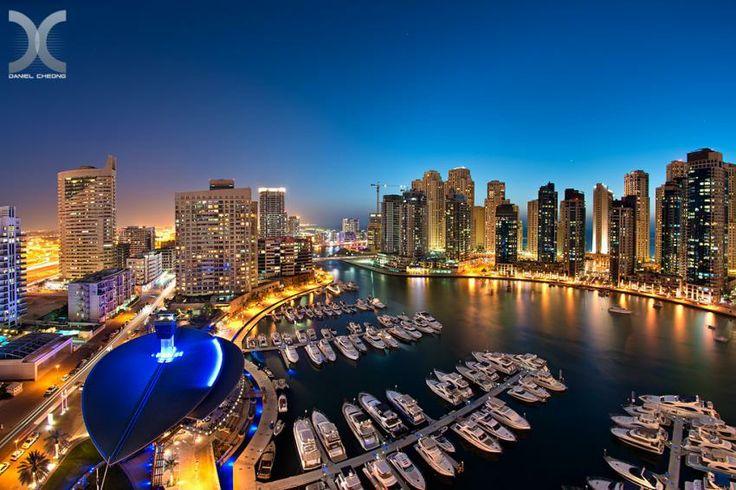 Dubai Marina Yacht Club şi Jumeirah Beach Residence Complex