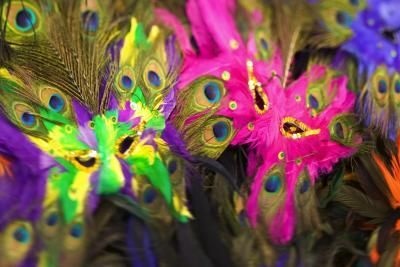How to Make Brazilian Carnival Masks for Kids thumbnail