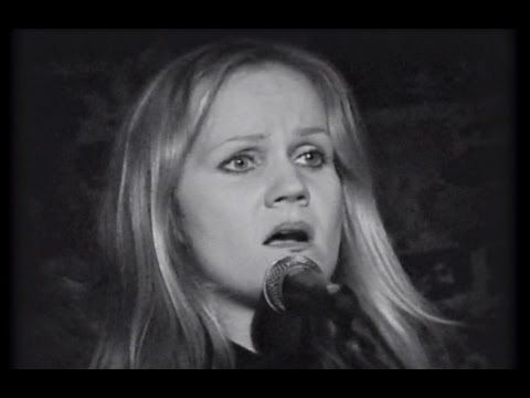 Restored footage of Eva Cassidy performing Over The Rainbow. The performance took place at the Blues Alley jazz supper club in Georgetown, DC, on the 3rd Jan...