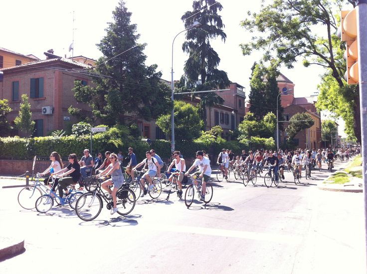 Sui viali Bike pride Bologna