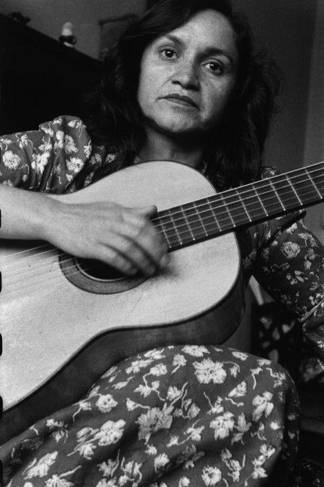 Sergio Larrain 1957 Violetta PARRA, Chilean folk singer