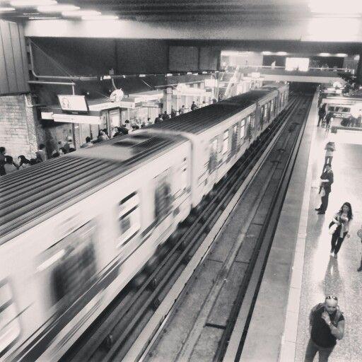 Santiago de Chile, estación Baquedano.
