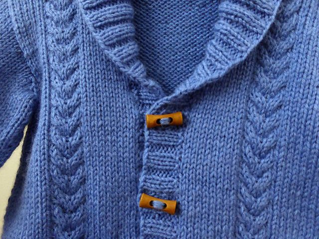 Ravelry: sofiecat's Cables and toggles