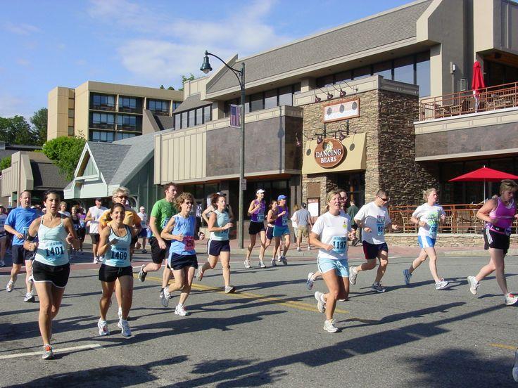 A Runners Guide to the Lake Placid Marathon & Half Marathon: Placid Half, 2015 Goals, Runners Guide, Buckets Lists, Half Marathons, Lakes Placid, Destination Runs, Placid Marathons, Bike Stuff