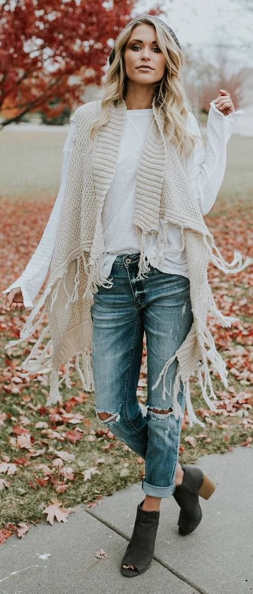 #fall #outfits beige sleevless coatee ripped jeans