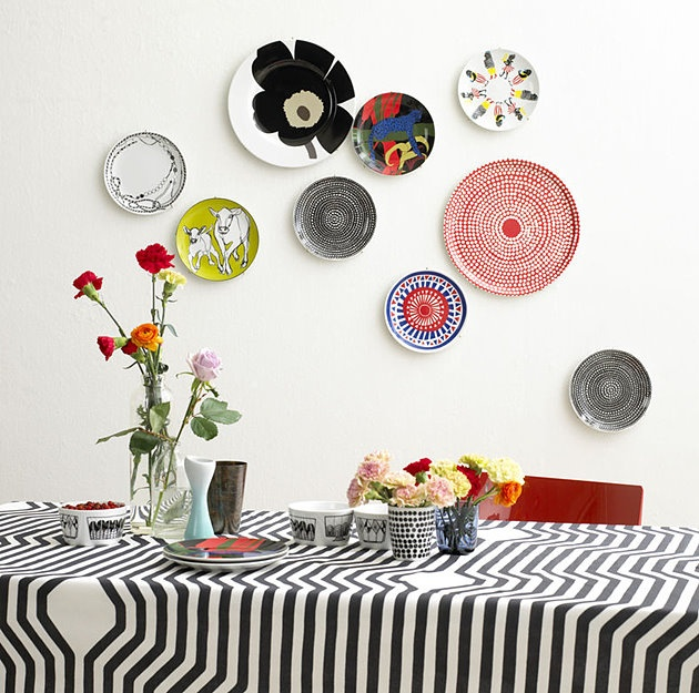 Love the idea Marimekko trays as wall decorations.... #Marimekko #design #idea #home