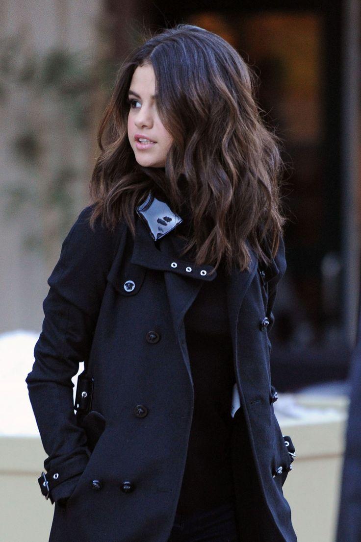 Selena Gomez's Mid-Length Cut