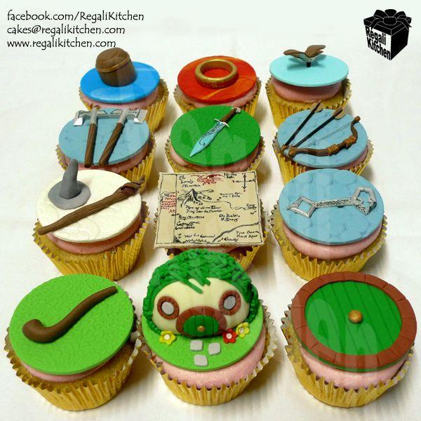 The Hobbit Cupcakes_Tolkien_Geek_Geeky_The Shire_Bag End_Hobbit Hole_Ring_Sting_Sword_Ax_Bow_Arrow_Gandalf_Map_Barrel_Bilbo Baggins_Dwarf_Thorin