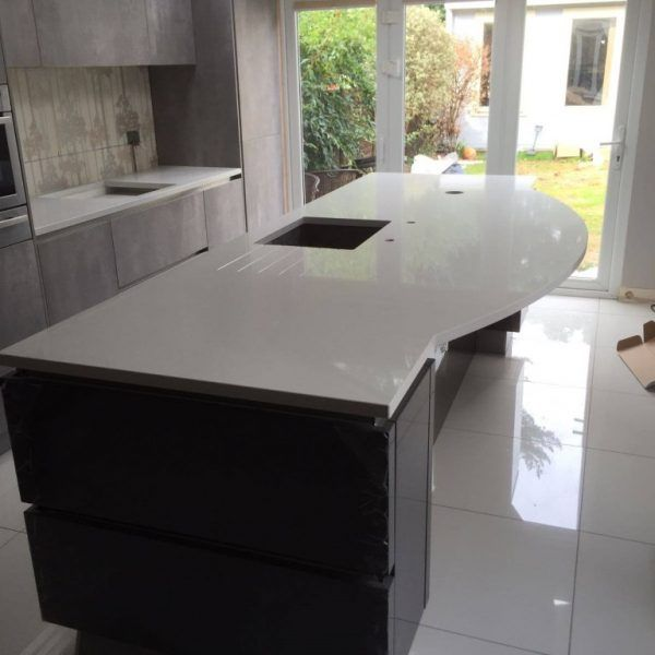 This is the Bianco De Lusso Urban Quartz situated on top of the kitchen island. This is our popular white quartz, with small grey flecks and diamante sparkles.
