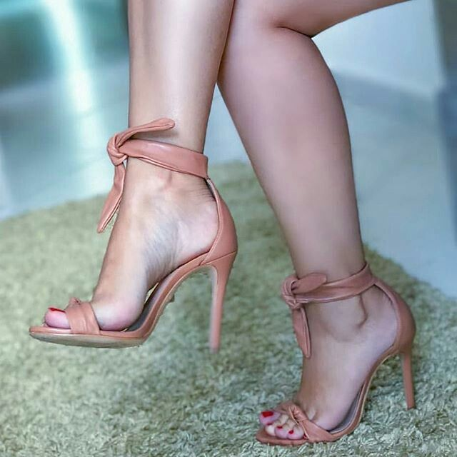 9a79df1b491 Shapely Meupezinho   bare foot sandals in 2019   Bare foot sandals ...