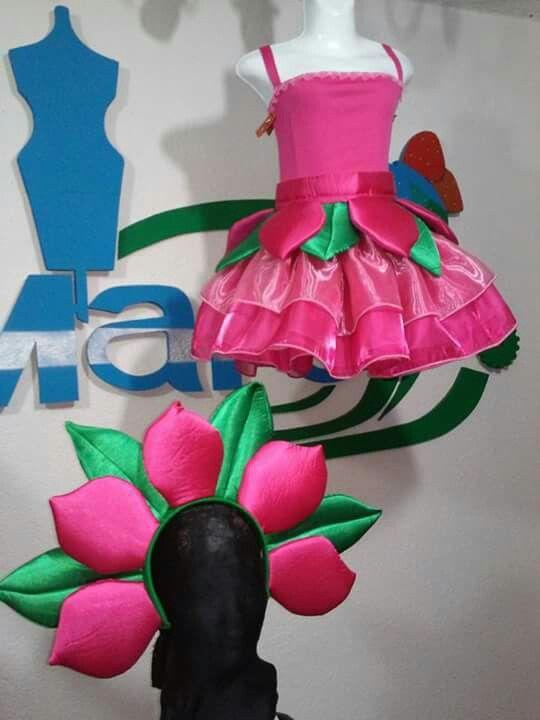 Disfraz de flor con cinturón desmontable.