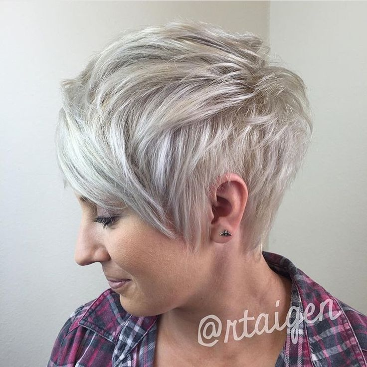 Icy blonde pixie | pixies | Choppy pixie cut, Short choppy ...