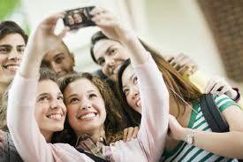 Selfie-mania: la nuova moda degli adolescenti
