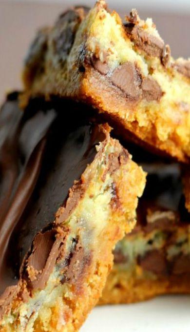Gooey Chocolate Chip Cake Bars