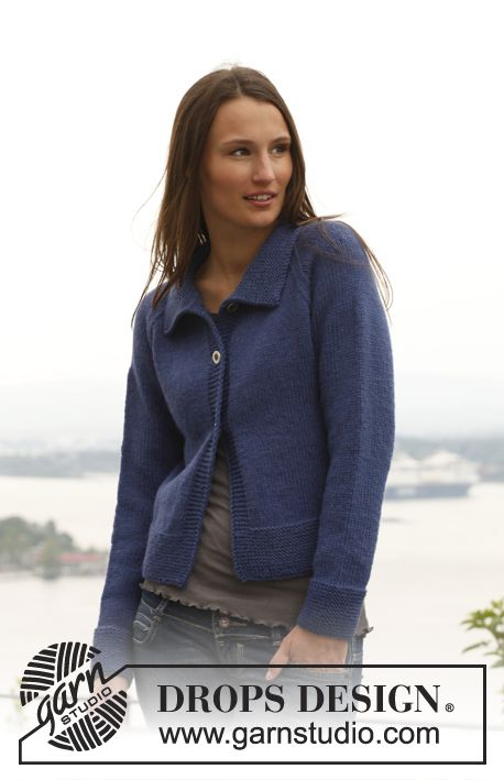 """Knitted DROPS jacket with raglan sleeves in """"Alaska"""". Size: S - XXXL. ~ DROPS Design"""
