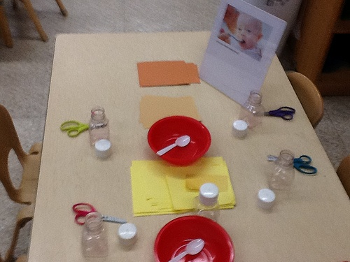 Can You Make Baby Food? (cutting papers into small pieces-to put in bowls and jars to feed the babies)