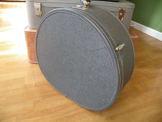 Traincase Samsonite old suitcase Round case by Traincasesandmore