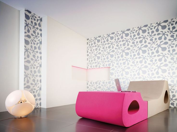 Types of Wallpapers in terms of material used - Solid sheet vinyl wallpaper are printed on a pure vinyl solid and are usually stamped to give them a comfy textural effect. These wallpapers are quite long-lasting and are usually scrubbed, making them easy to clean and maintain. They are also peel able.
