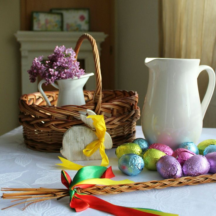 Dear friends, I wish you a Happy Easter! As folk traditions are inherent to farmhouse life, let me intruduce you  my country traditions. Ussually on Sunday morning we put our Easter specialities into the basket  and take it to the mass for blessing and then we eat them for breakfast. On Monday morning the man visit all the family members and friends houses where they splash woman with pure watter (from jug) and spank them with the special Easter whip ( gently of course)...so the woman stay…