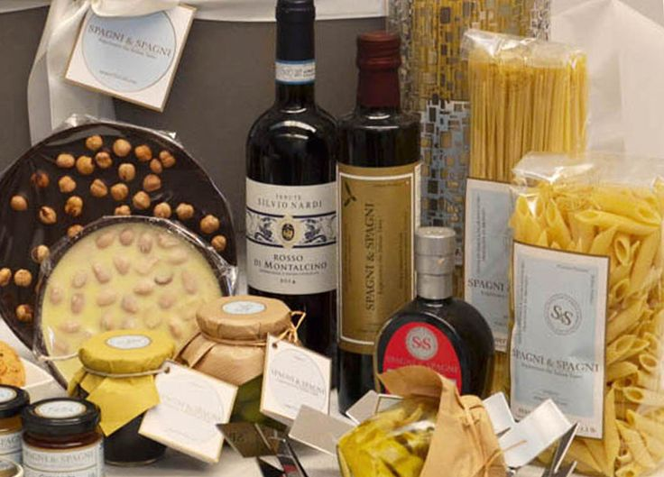 Great Food Selection Corporate Gift... Here it is another interesting Hamper which proposes a fine selection of Italian food specialties... Find out here https://goo.gl/ed0Be9  #pasta #oil #wine #appetizer #vinegar #chocolate #sweet #savory #food #gift