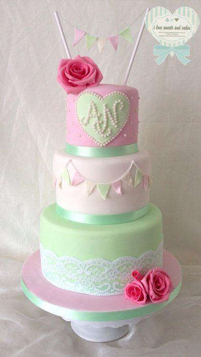Bunting vintage wedding cake - by ilovesweetsandcakes @ CakesDecor.com - cake decorating website
