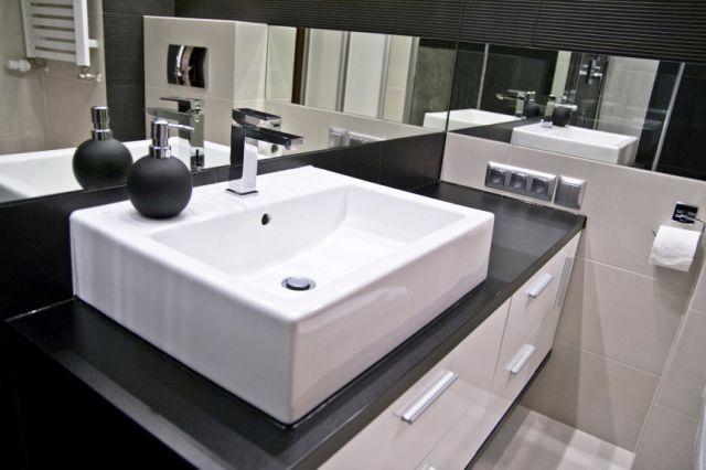 nowoczesne łazienki w blokach - Hľadať Googlom